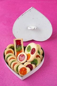 Biscuits dans une boîte en cœur - Recette/stylisme : Patrice Taravella et Stéphane Brunet