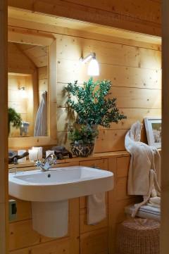 Salle de bain dans un hôtel de luxe - Stylisme : Patrice Taravella